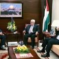 الرئيس عباس يحذر من مخططات الانقسام والعبث بقضية التمثيل الفلسطيني