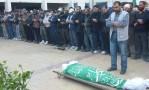 صلاة الجنازة على الشهيد حوراني بمخيم اليرموك