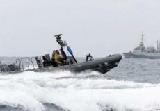 زوارق الاحتلال تستهدف قوارب الصيادين بمنطقة السودانية