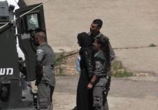 الاحتلال يعتقل طالبة مدرسة على حاجز بالخليل