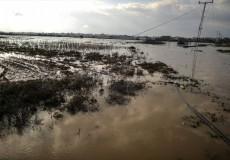 الاحتلال يواصل فتح سدود المياه لإغراق الأراضي شرقي غزة