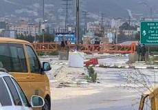 الاحتلال يغلق حاجز حوارة والطريق الواصل بين نابلس وقلقيلية