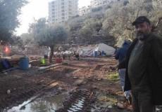 الاحتلال يهدم خيمة وكرافانا في بيت جالا ويجرف شارعين في الولجة
