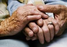 حكاية زوجين عاشا معاً 51 عاماً وفرق بينهما الفيروس بفارق دقائق