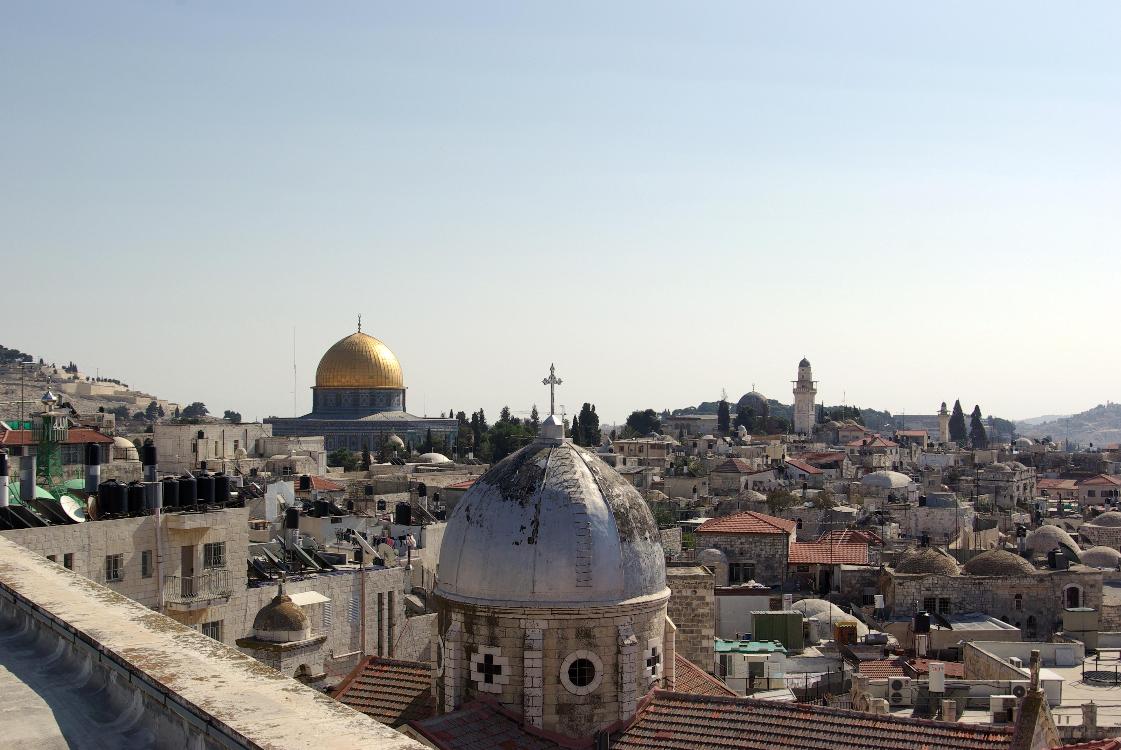 وما الذي يجري في كل جزء من أرض فلسطين؟ وأين هم العرب؟ وأين هم المسلمون من  كل هذه الجرائم التي تُرتكب دون أي اعتبار لمكانة الإنسان، أو حتى لمكانة  المقدسات ؟